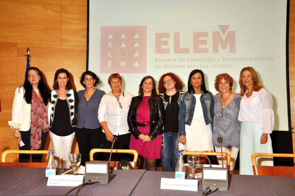 Mesa redonda  en la presentación de ELEM