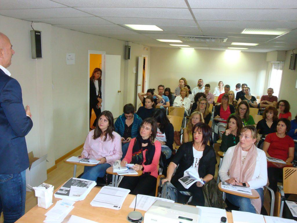 El seminario se imparte en la sede de la Federación de Municipios.