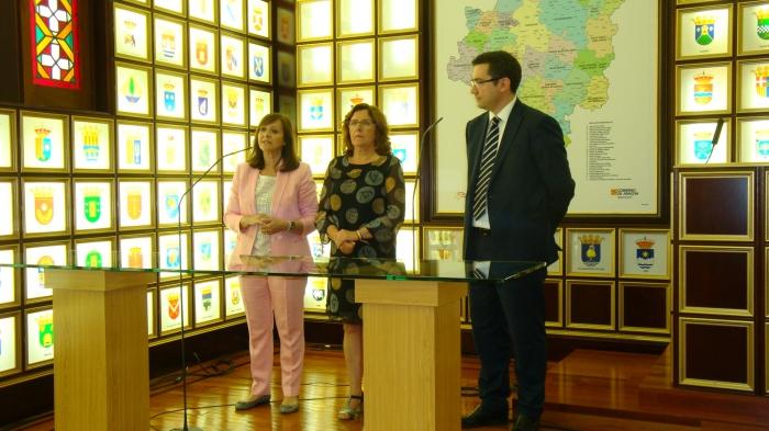 El convenio con Multienergía Verde se ha rubricado en la Sala de los Escudos del Edificio Pignatelli.