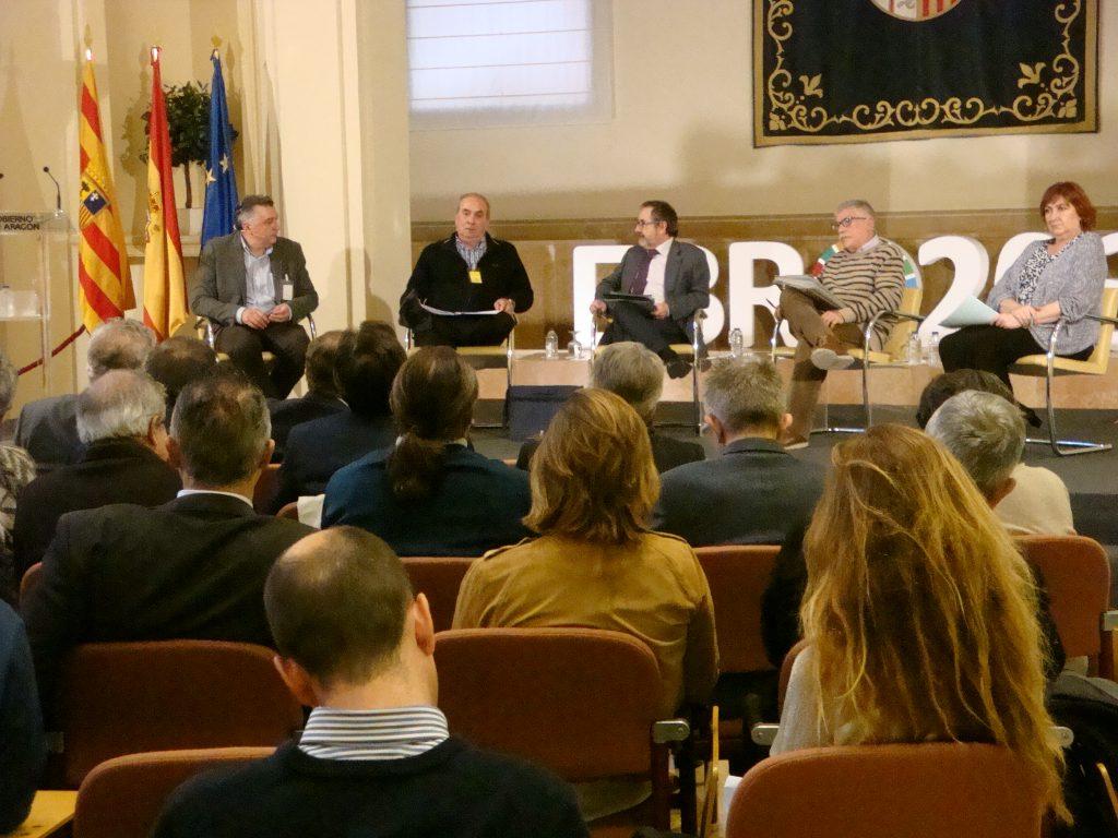 Varios miembros de la Ponencia la han comentado en una mesa redonda.