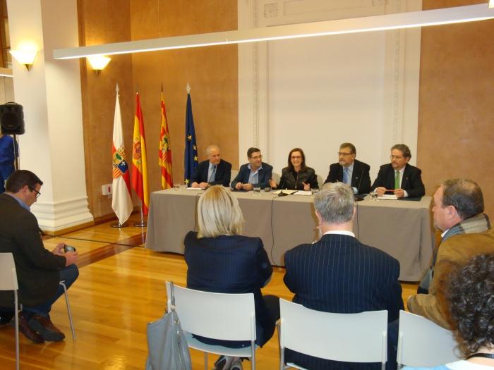 El convenio se ha firmado en la sala Ricardo Magdalena de la Diputación de Zaragoza