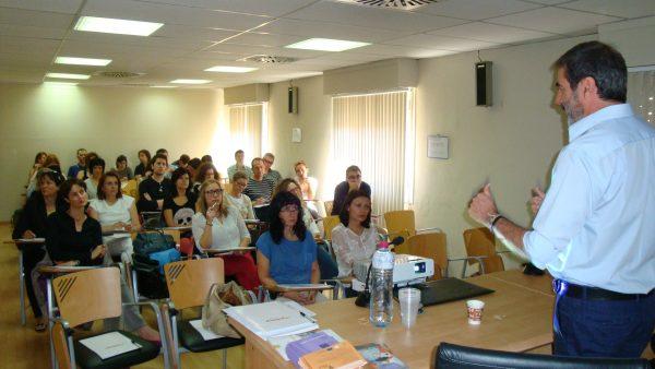 El Ejecutivo aragonés impulsa la formación de los empleados públicos a través de un convenio con la FAMCP