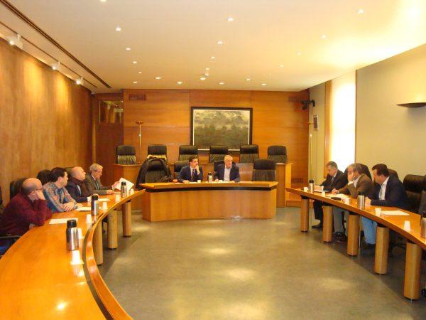 Representantes de la FAMCP se reúnen con los grupos parlamentarios de las Cortes