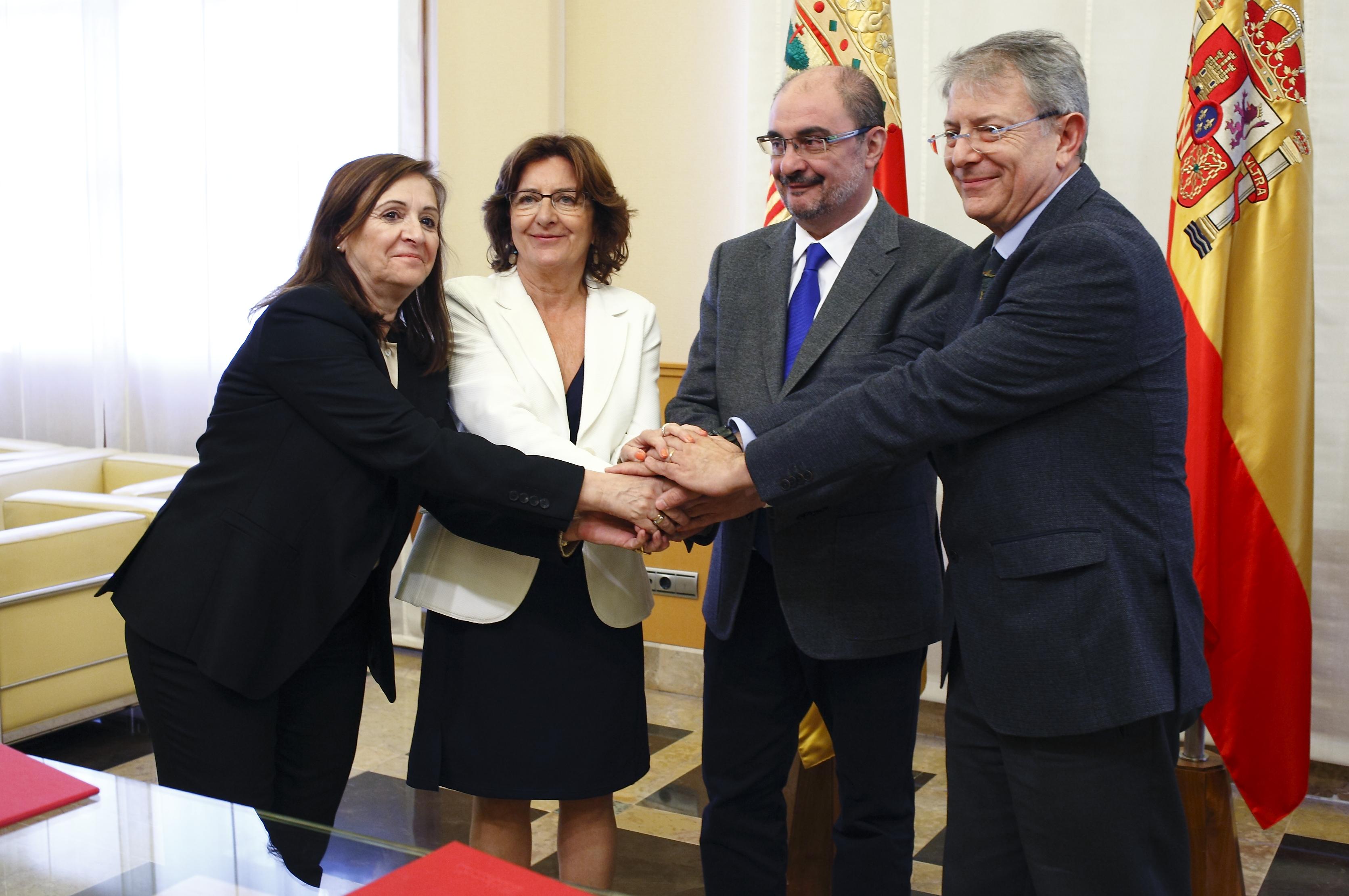 Desde la izquierda,  Carmen Sánchez, María Victoria Broto, Javier Lambán y Antonio Franquesa.