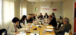 Sesión constitutiva de la Comisión de municipios de más de 8.000 habitantes.