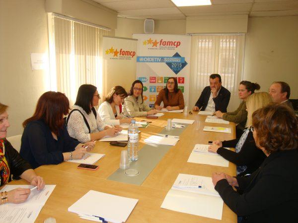 La Comisión de Igualdad de la FAMCP recibe la visita de la directora del IAM