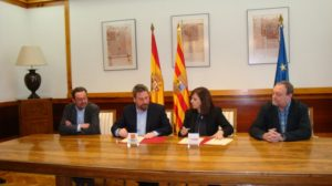 Desde la izquierda, Carmelo Bosque, director general de Urbanismo, José Luis Soro, Carmen Sánchez, y el secretario general de la Famcp, Martín Nicolás.