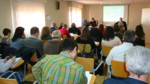 La directora general de Sostenibilidad del Gobierno de Aragón, Sandra Ortega, participó en la Comisión de Medio Ambiente y Desarrollo Sostenible de la FAMCP para informar de las modificaciones del Plan GIRA.